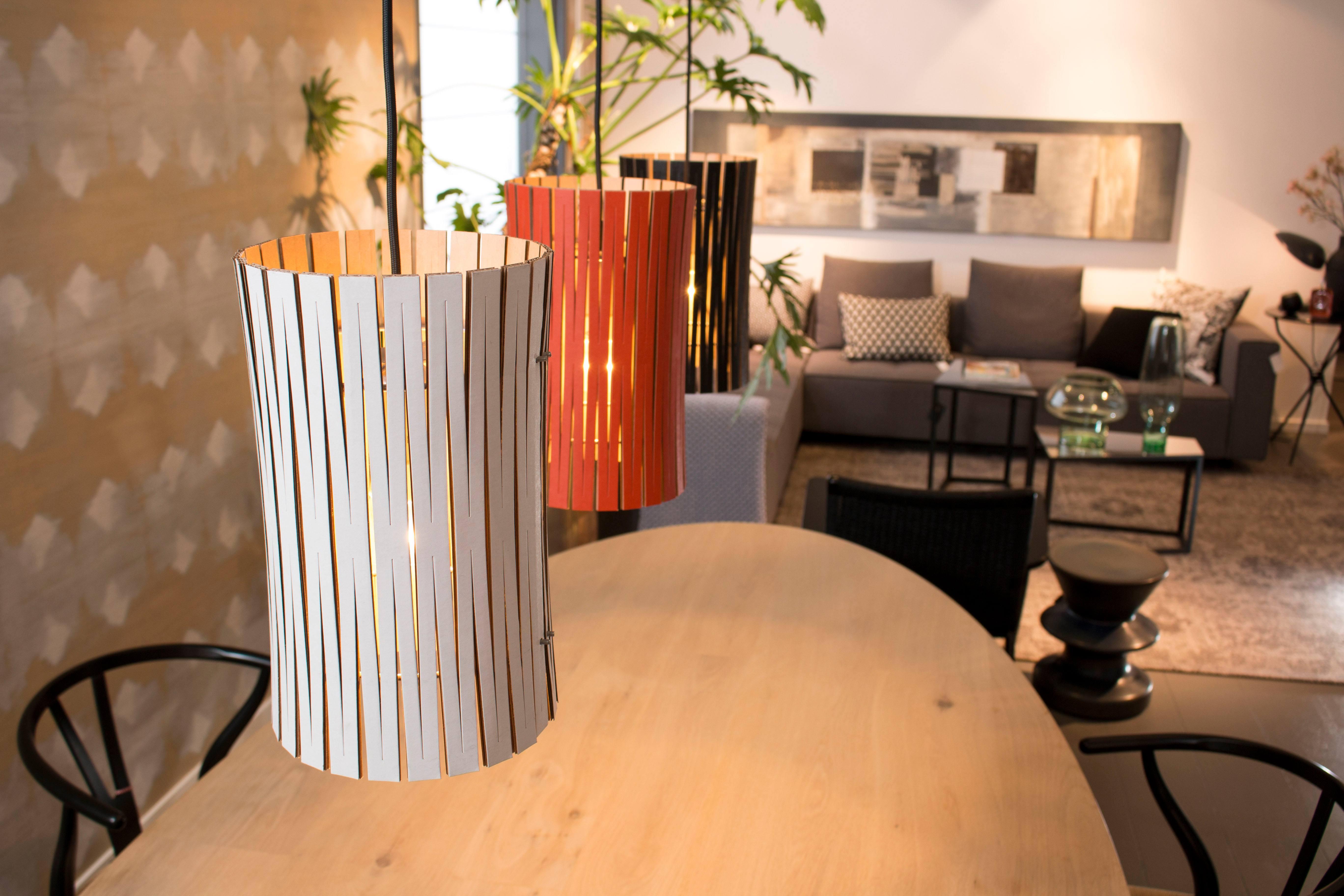 Graypants leuchten aus wellpappe designblog for Designerleuchten esszimmer