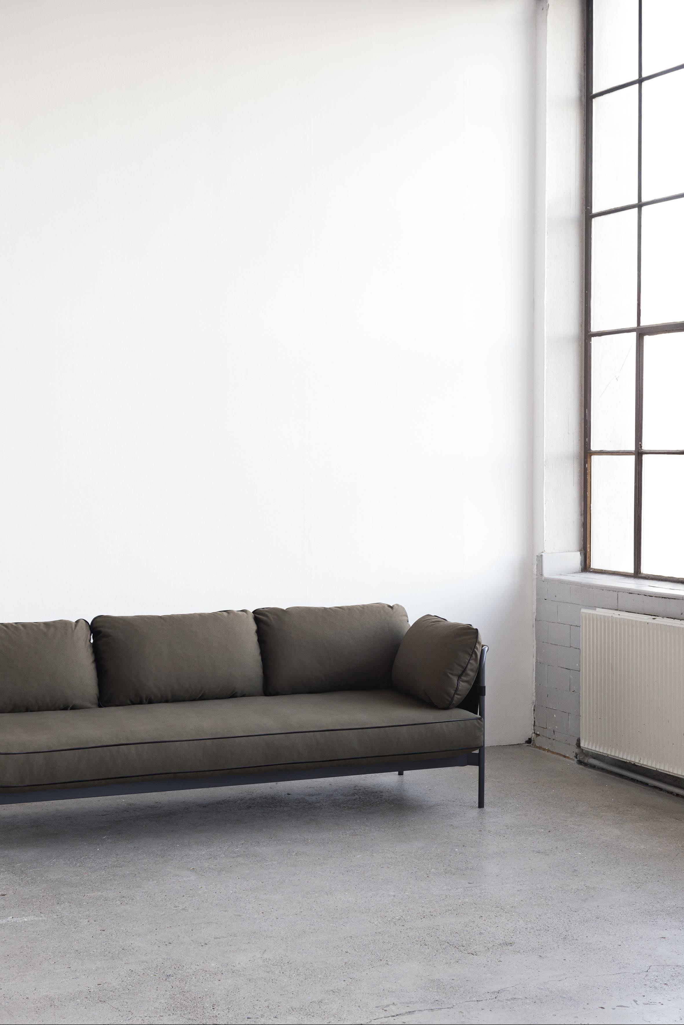 hay revolutioniert sofas mit dem neuen sofa can designblog. Black Bedroom Furniture Sets. Home Design Ideas