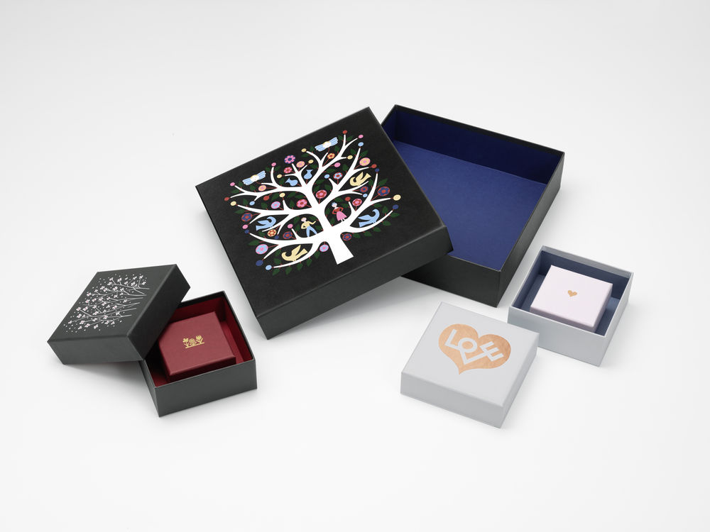 Vitra Graphic Boxes - Vitra News - Graphic Boxes & Candle Holder von Alexander Girard by Design Bestseller