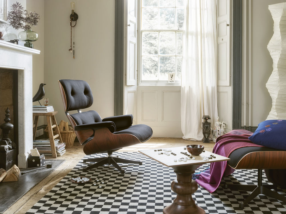 Lounge Chair - Vitra News - Colour Block Decke & Dot Kissen von Hella Jongerius by Design Bestseller