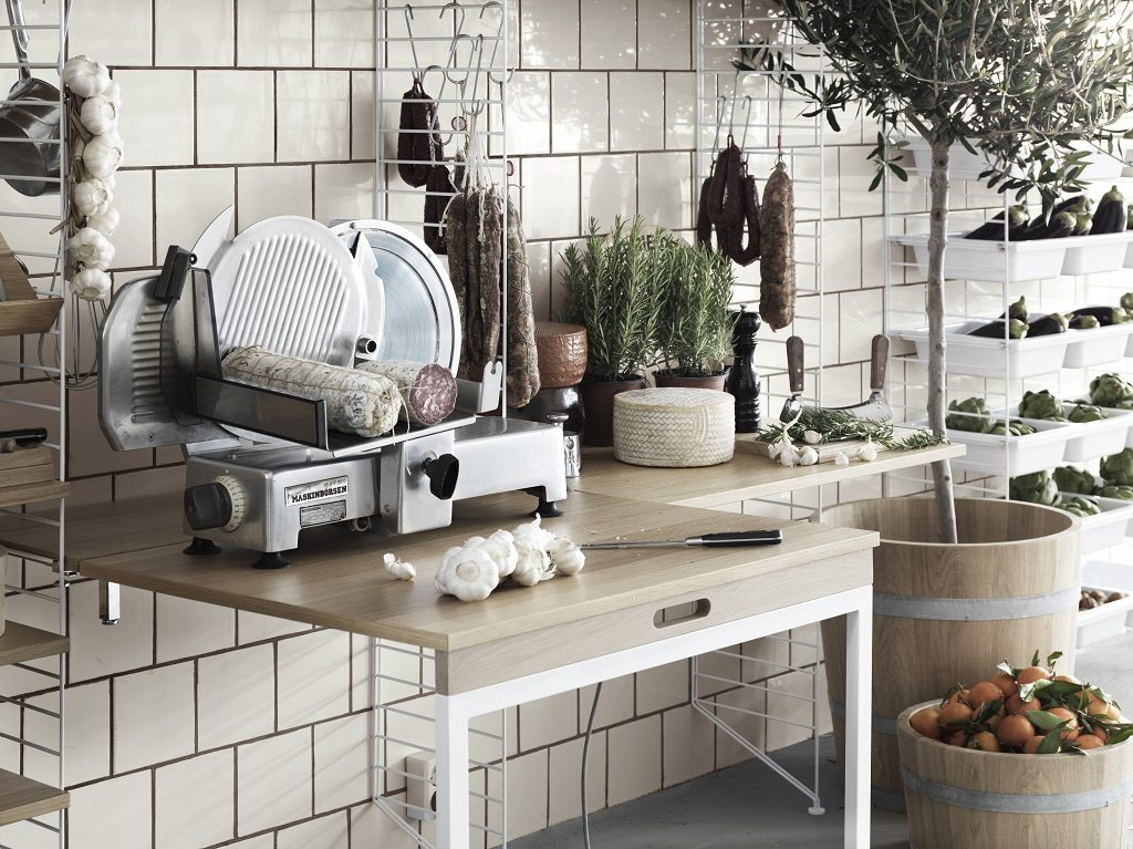 offene Küchenregale