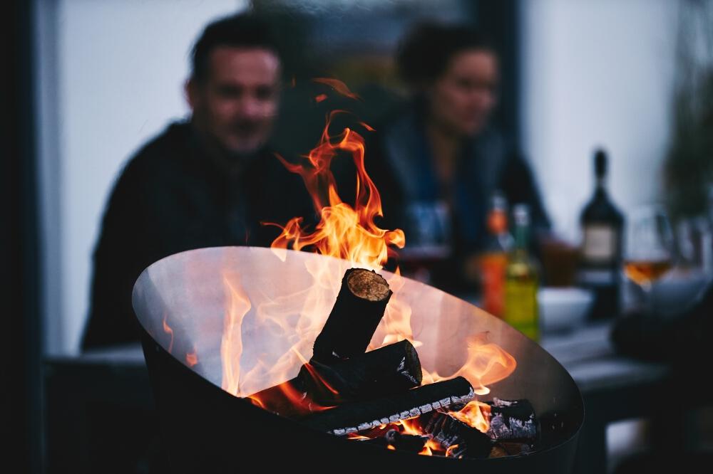Entspannt Grillen - der CONE Holzgrill von Höfats
