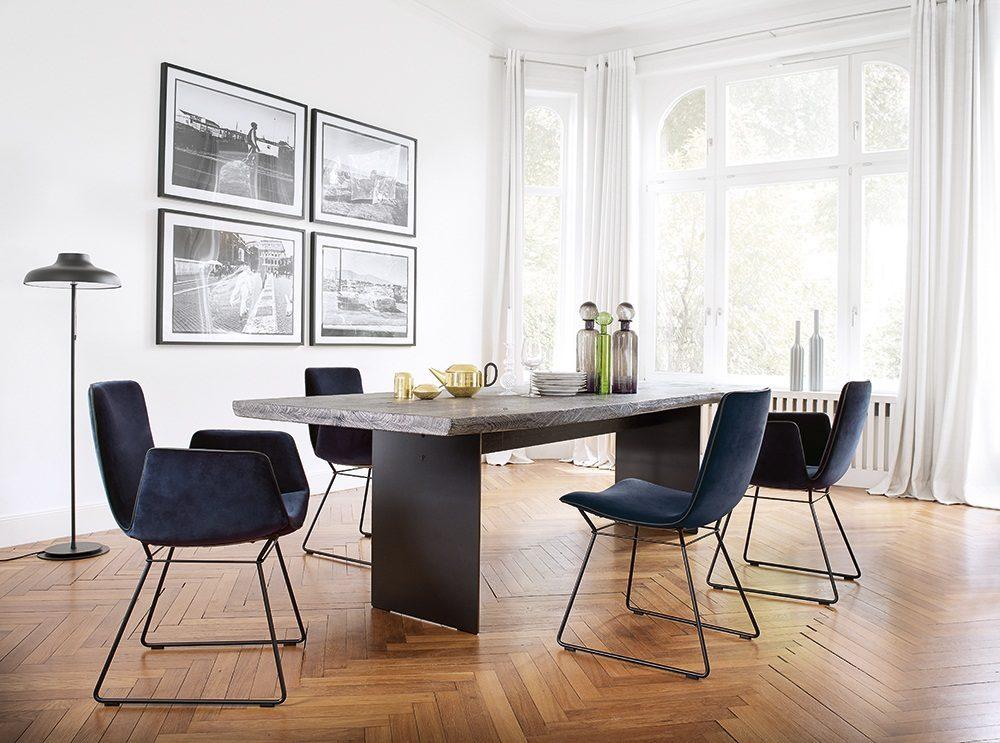 Janua: Möbel aus Holz