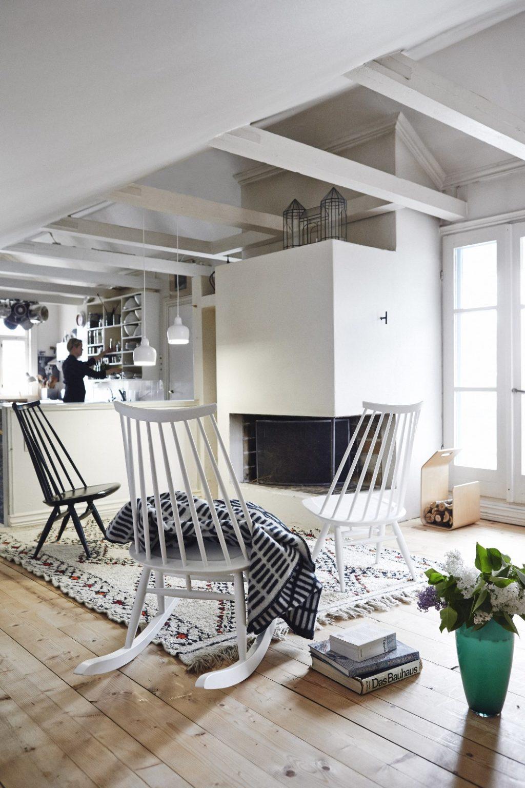 Herbst highlight rar schaukelstuhl von vitra designblog for Skandinavischer schaukelstuhl