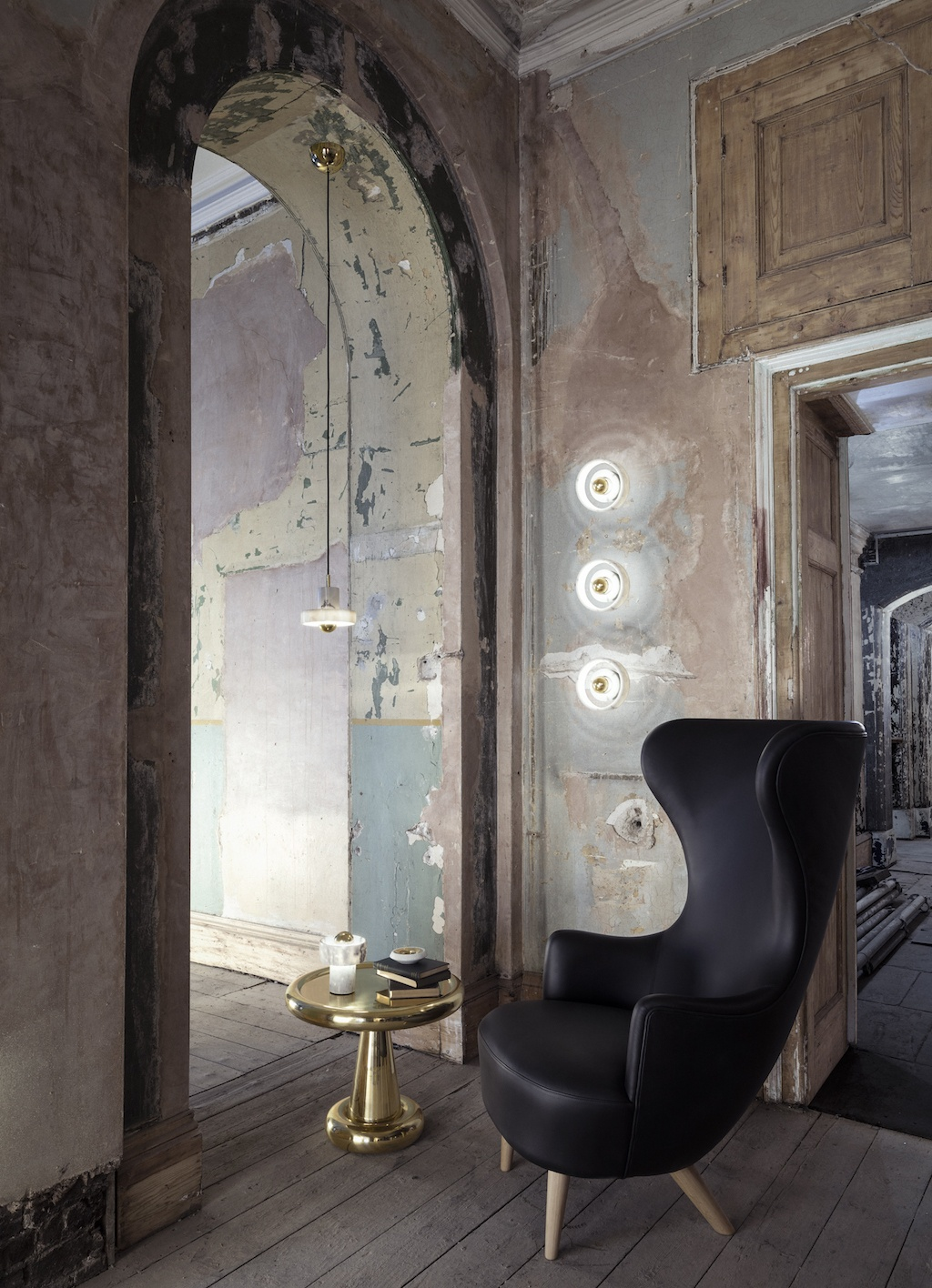 Stone Lighting with Wingback and Spun