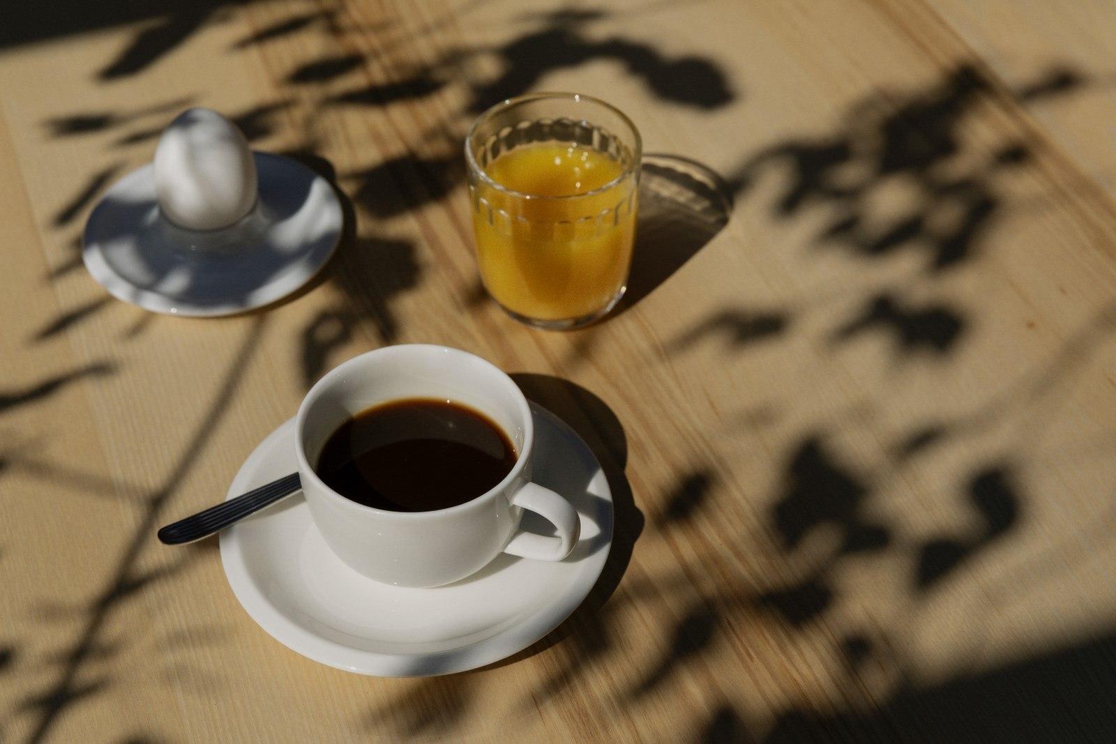 Kaffeetasse, Saftglas und Eierbecher gehören für uns am Morgen zu Outdoor Tableware
