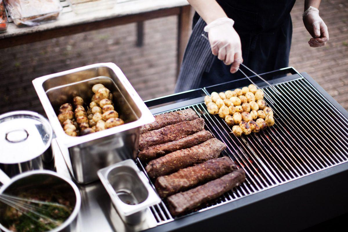 Outdoorküchen sind zum Grillen und Kochen da