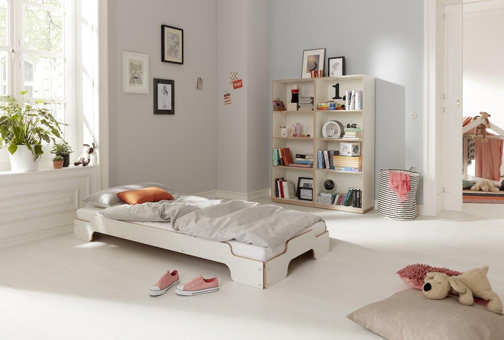 Das Kinderzimmer - let's play! Möbel die mitwachsen, wie die Stapelliege von Müller Möbelwerkstätten.