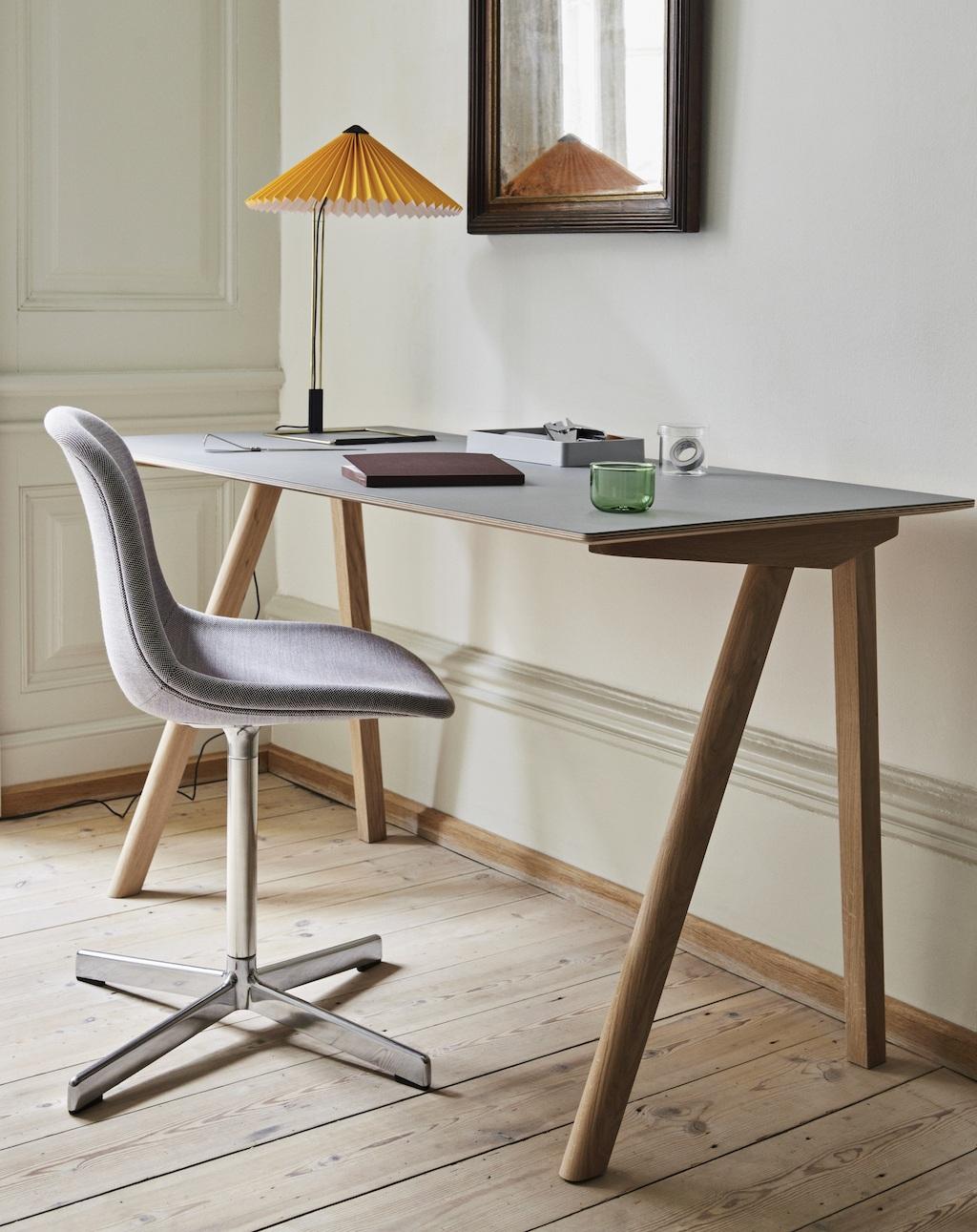 HAY CPH Desk, AAC Drehstuhl, Matin Tischleuchte für das Homeoffice Upgrade