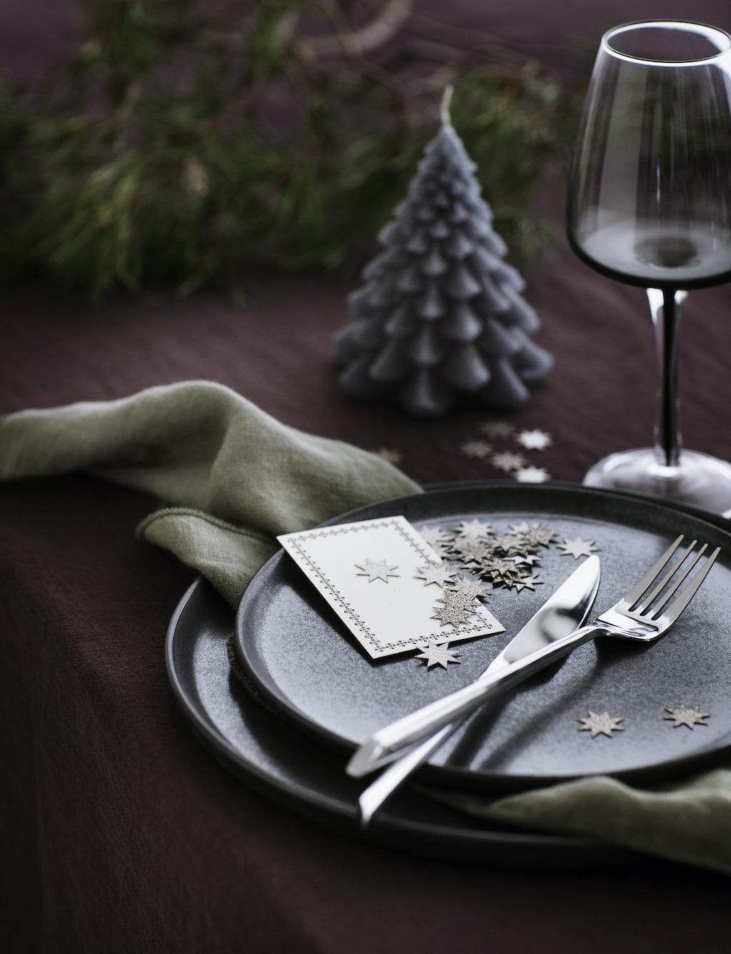 Festliche Tischdeko für die Feiertage