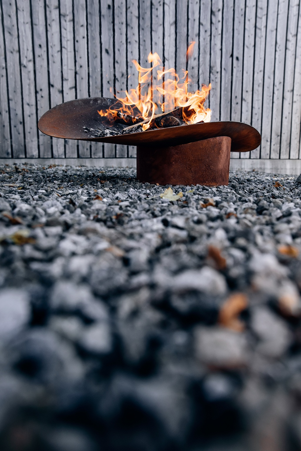 10 praktische Gartenaccessoires Ellipse Feuerschale von höfats