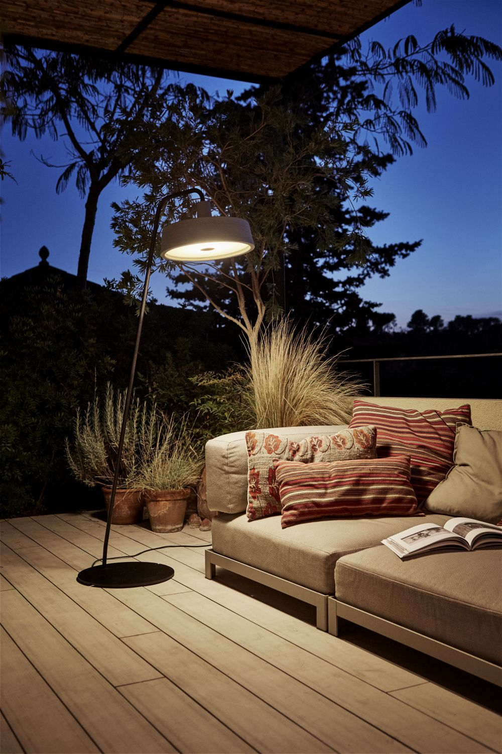 SELECTED Outdoor: Marset Soho LED Outdoor Stehleuchte