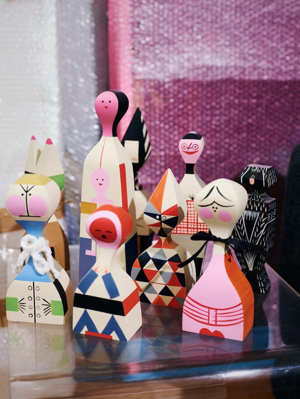 Probier's mal mit mehr Farbe! Inspiration aus der Künstlerwohnung: Wooden Dolls