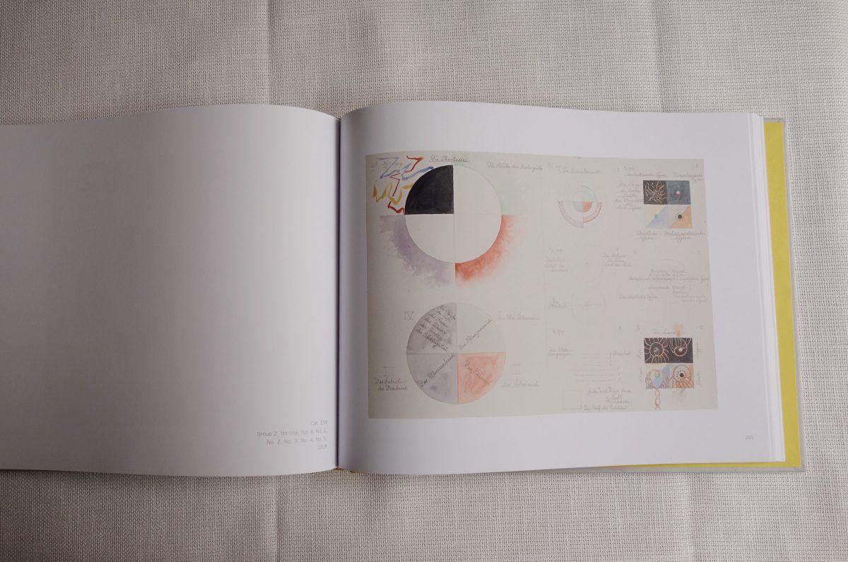 Sommerlektüre 2020: Diese Bücher lesen wir gerade. Blick ins Buch Hilma af Klint