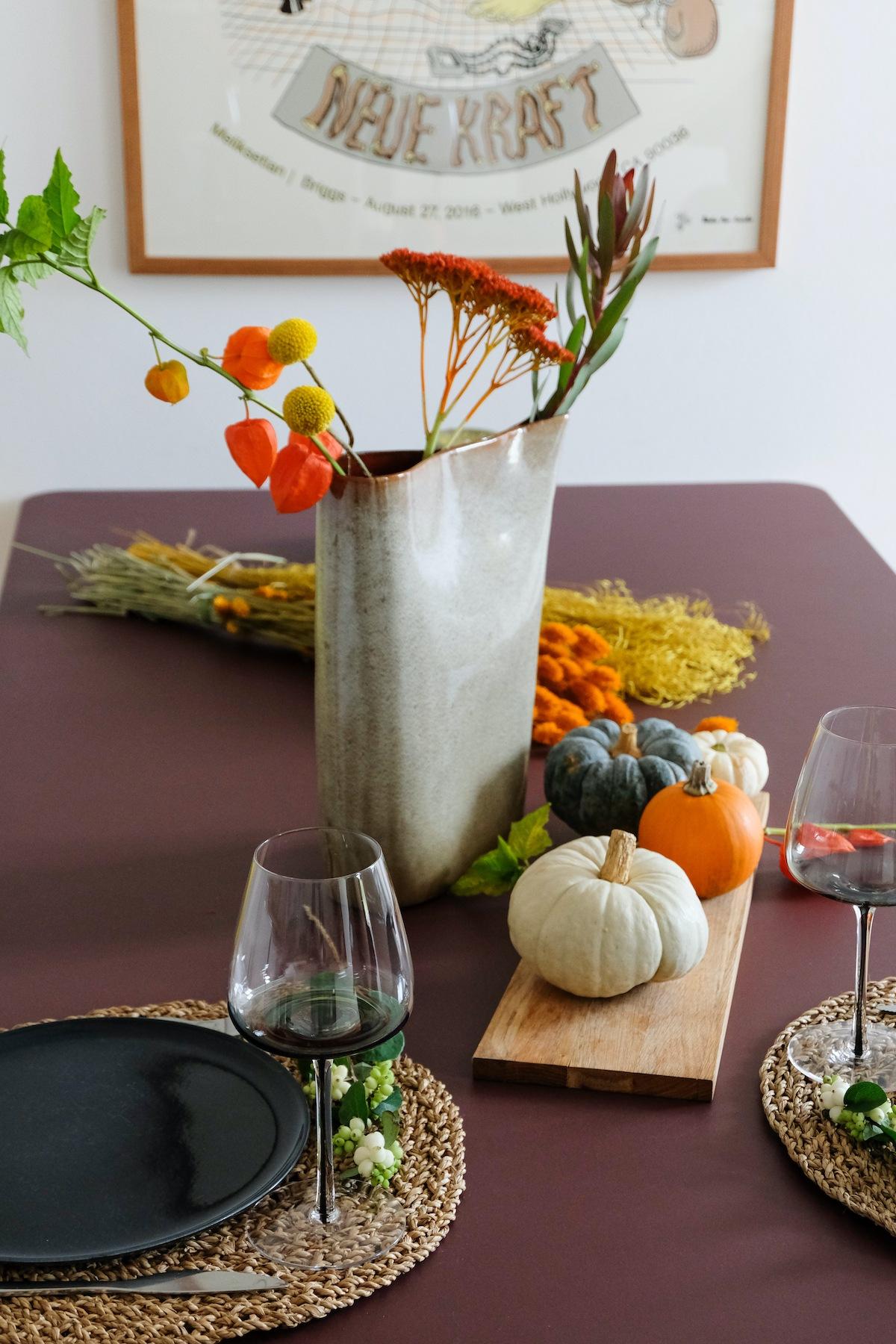 Herbstliche Tischdekoration - Es ist angerichtet
