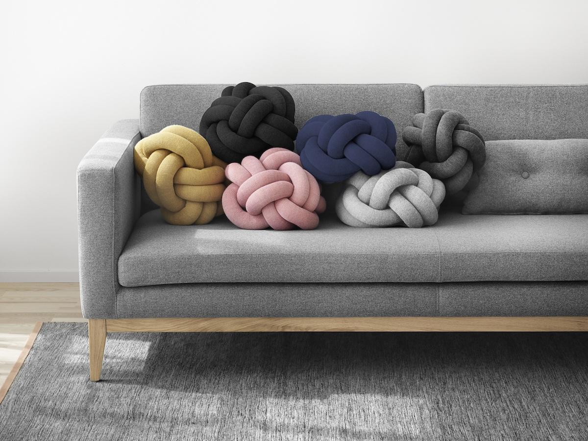 5 Essentials im Herbst - Knot Kissen von Design House Stockholm